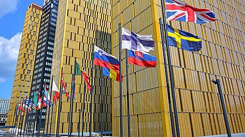 Permanent resident family members of EU citizens can enter in Schengen visa-free