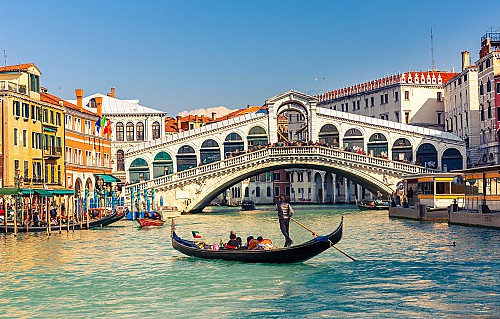 Italy halves the investment in exchange for the residence permit!